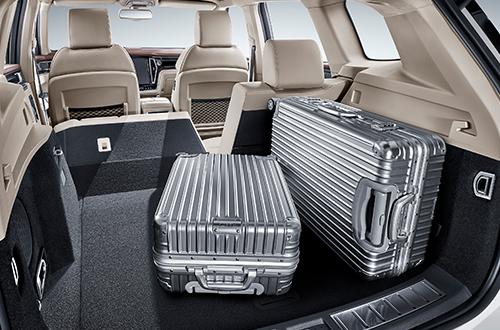 超大行李箱全平空间